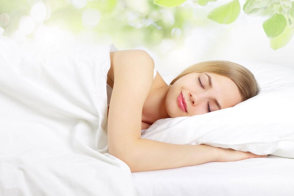 Chăm sóc da tuổi 30 với thói quen ngủ sớm và đủ giấc