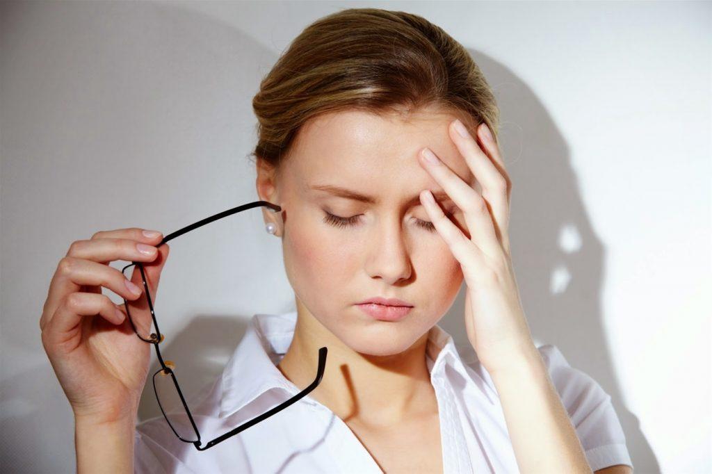 Chăm sóc da kỹ mà vẫn bị mụn do căng thẳng