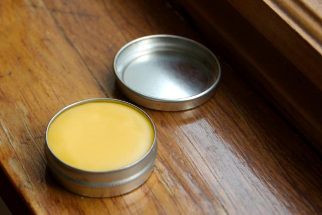 Son dưỡng môi dầu dừa + vitamin E