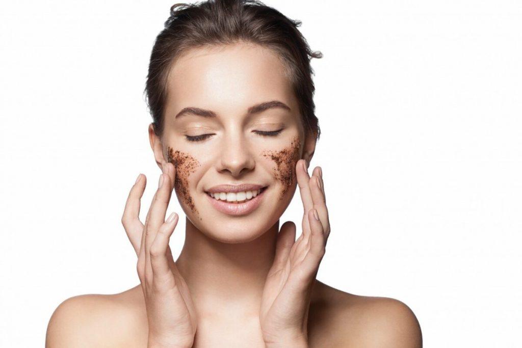 Nguyên nhân không tẩy tế bào chết da, trả lời cho câu hỏi tại sao chăm sóc da kỹ mà vẫn bị mụn