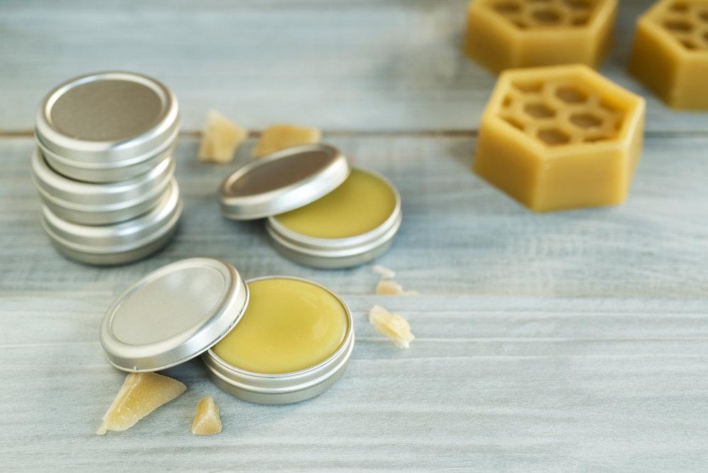 Cách làm son dưỡng môi shea butter đơn giản tại nhà