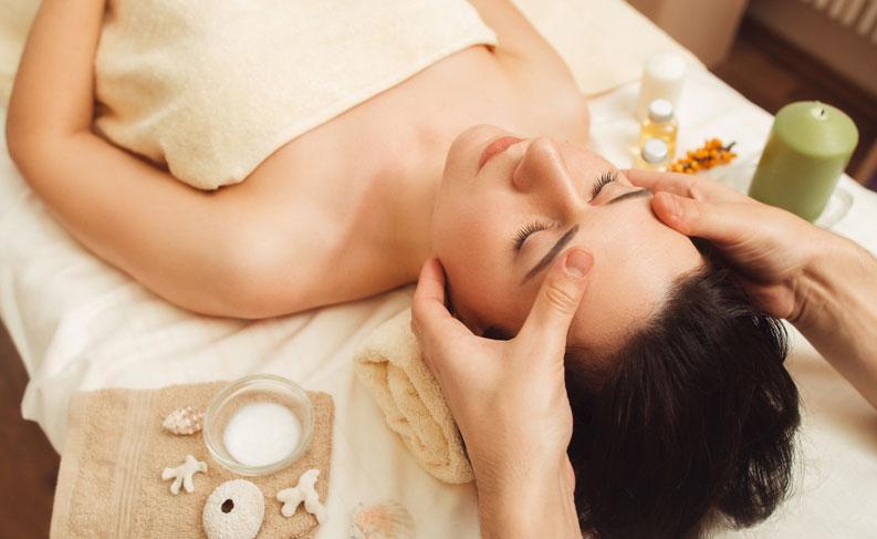 Các bước chăm sóc da mặt cơ bản ở spa