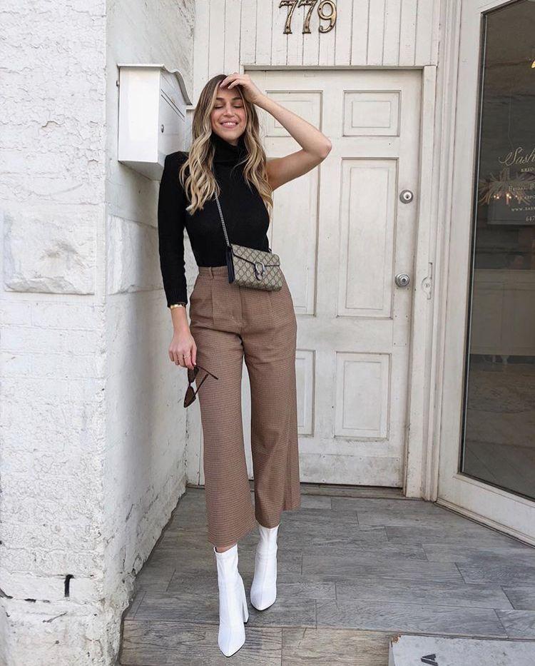 Quần ống rộng phối với giày boot nữ rất phù hợp street style