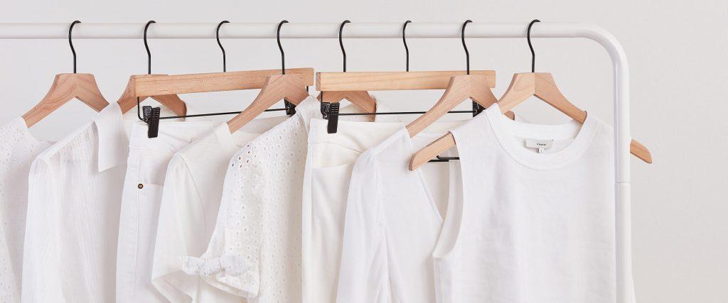 Bảo quản quần áo trắng không mặc riêng với quần áo màu