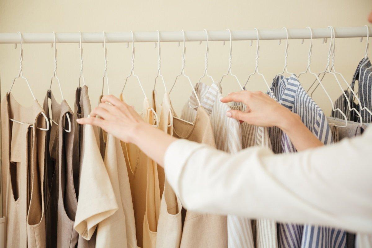 Cách bảo quản quần áo không mặc sạch đẹp y như mới