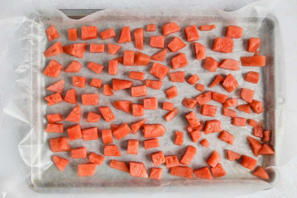 Cách làm sinh tố dưa hấu kem sền sệt - Đông lạnh dưa hấu
